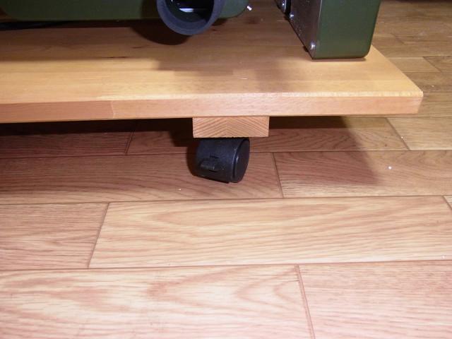 プロクソンのスライドソウSS630を動かすためのキャスター