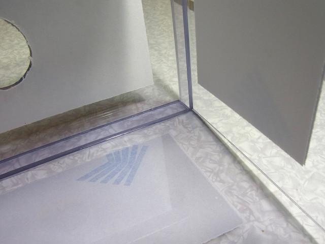 自作塩ビ製ウールボックスの補強板の取り付け作業