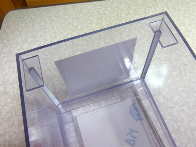自作ウールボックスのフタ受けの取り付け作業