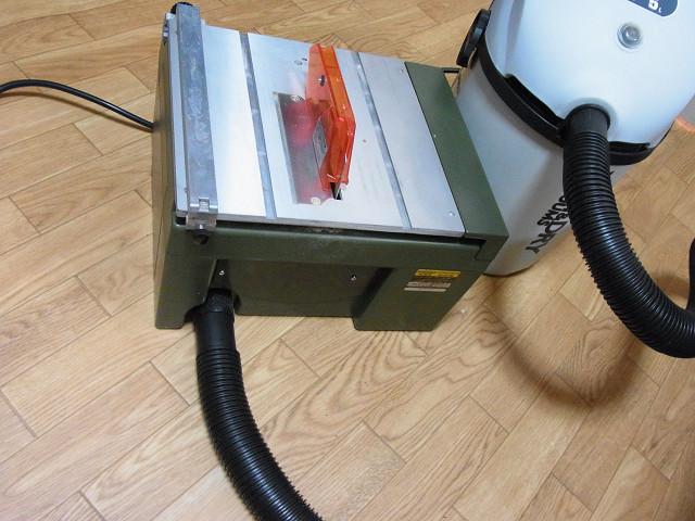 スーパーサーキュラーソウテーブルに掃除機(集塵機)を直結