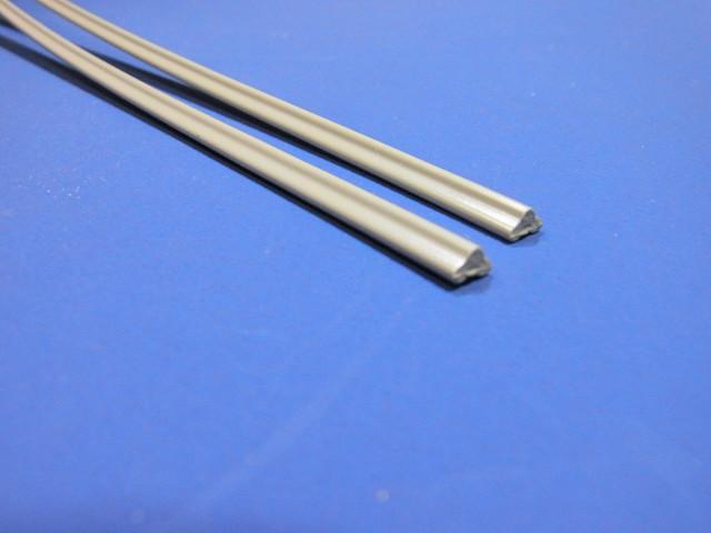 グレーの三角(トリプル)タイプの塩ビ溶接棒