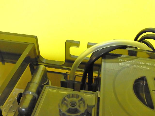 海道システムのコードやプロテインスキマーの吸気チューブ